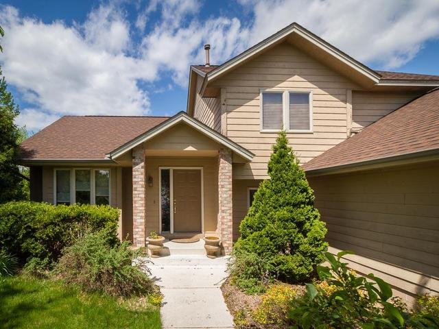 8108 Boulder Ridge Rd, Saint Paul MN 55125