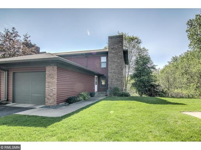 531 Hunter Hill Rd, Hudson WI 54016