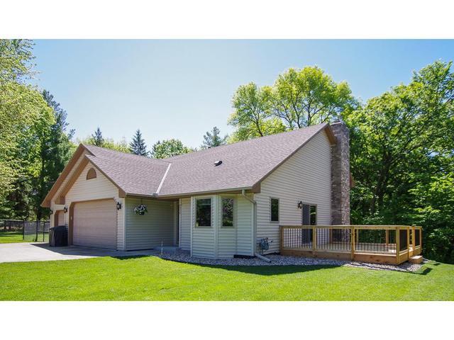 9856 Crestwood Ter, Eden Prairie MN 55347