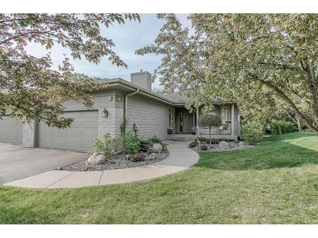 8970 Hilloway Rd, Eden Prairie MN 55347