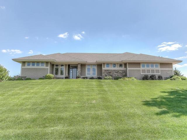 21115 Ridgewood Trl, Lakeville MN 55044