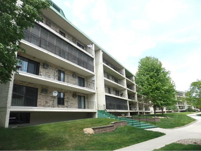 10401 Cedar Lake Rd #APT 204, Hopkins MN 55305