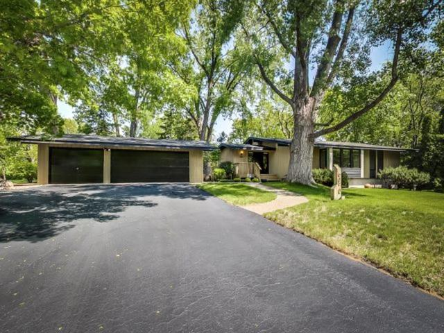 6050 Duluth Ln, Minneapolis MN 55422