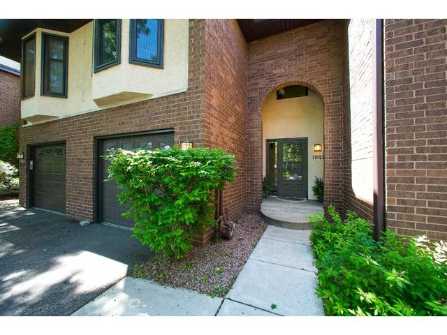 1942 Dupont Ave, Minneapolis MN 55403