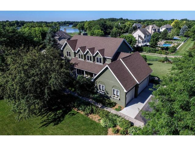 2664 Lakeview Dr, Shakopee MN 55379