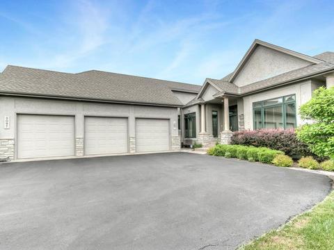 9097 Breckenridge Ln, Eden Prairie, MN 55347