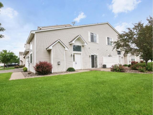 8628 Savanna Oaks Bay #J Saint Paul, MN 55125