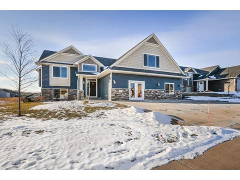 3825 87th St E, Inver Grove Heights, MN 55076