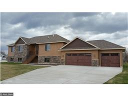 616 Knights Ct, Sartell, MN 56377
