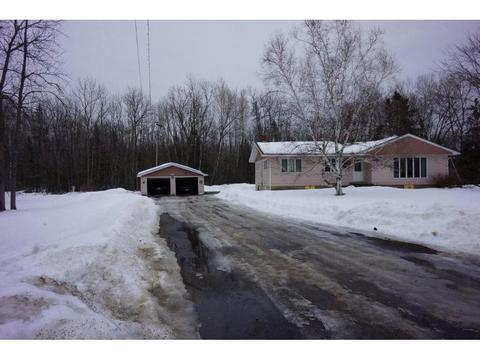 4662 Lake St, Orr, MN 55771