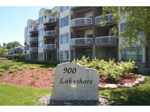 900 S Lakeshore Dr #301, Lake City, MN 55041
