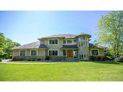 1123 Chippewa Dr NW, Rochester, MN 55901