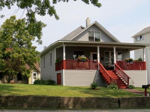 213 W Harvey St, Ely, MN 55731