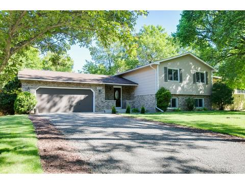 11710 52nd Ave N, Plymouth, MN 55442