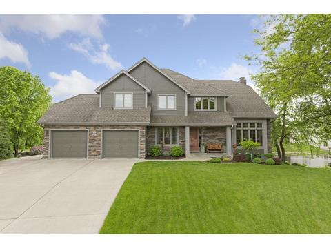 4247 Cottonwood Pl, Vadnais Heights, MN 55127