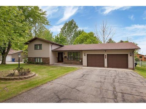 1471 Cottonwood Rd, Saint Cloud, MN 56303