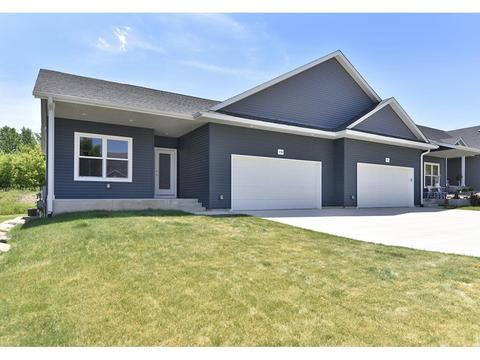 2209 Greenfield Dr W, Northfield, MN 55057