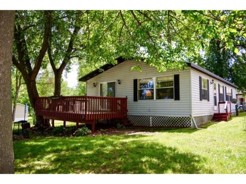 13989 Ferry Dr, Osakis, MN 56360