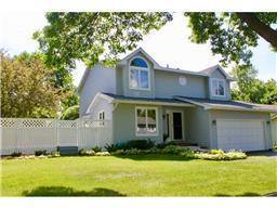 18598 Harrogate Dr, Eden Prairie, MN 55346