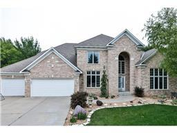 8641 Carriage Hill Ct, Savage, MN 55378
