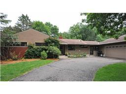 1817 Valley Curve Rd, Mendota Heights, MN 55118