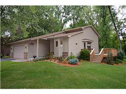 399 Colleen Dr, Vadnais Heights, MN 55127