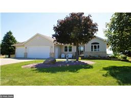 805 Horizon Ct, Belle Plaine, MN 56011