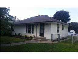 1589 Iowa Ave E, Saint Paul, MN 55106