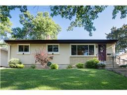 1611 Suburban Ave, Saint Paul, MN 55106