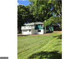 5004 Jennings Rd, Mound, MN 55364