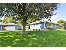 1951 County Road B E, Maplewood, MN 55109