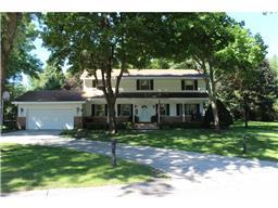 425 Edgewood Dr, Glencoe, MN 55336