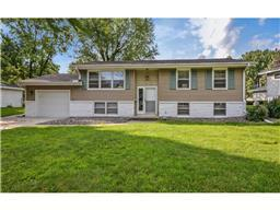 3858 Independence Ave N, New Hope, MN 55427