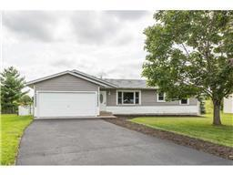1210 Carriage Hills Dr S, Cambridge, MN 55008