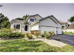11011 Fox Hollow Ln N, Champlin, MN 55316