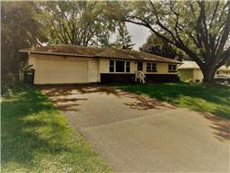 200 Demar Ave, Shoreview, MN 55126