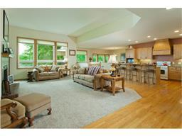 830 Patterson Dr, Shakopee, MN 55379