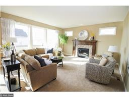 18129 Icon Ct, Lakeville, MN 55044