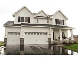 5240 Porchlight Rdg, Woodbury, MN 55129