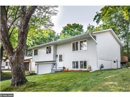 6752 Woodhill Trl, Eden Prairie, MN 55346