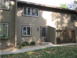 126 River Woods Ln, Burnsville, MN 55337
