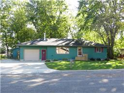 225 N State Ave, Le Center, MN 56057