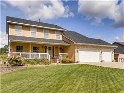 493 Bear Ave S, Vadnais Heights, MN 55127