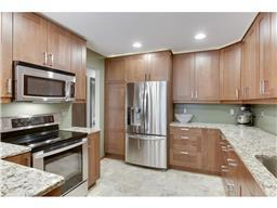 4202 Thornhill Ln, Vadnais Heights, MN 55127