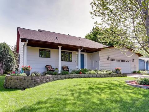 12083 Robin Rd, Maple Grove, MN 55369