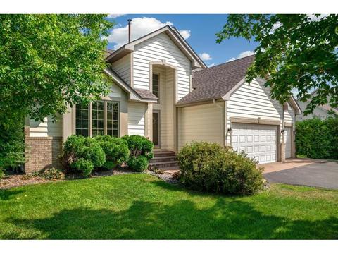 Beau 8892 Blackoaks Ln N, Maple Grove, MN 55311