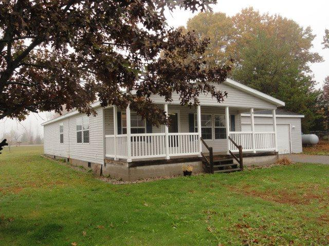 213 Fran Ct, Oxford, WI 53952