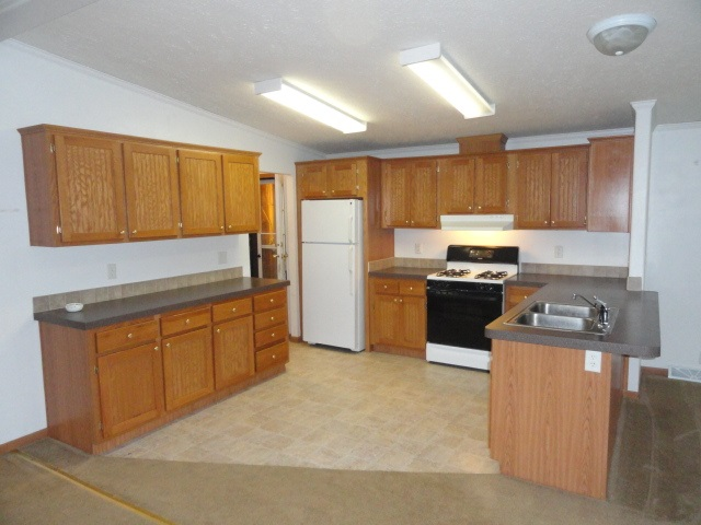213 Fran Ct, Oxford WI 53952