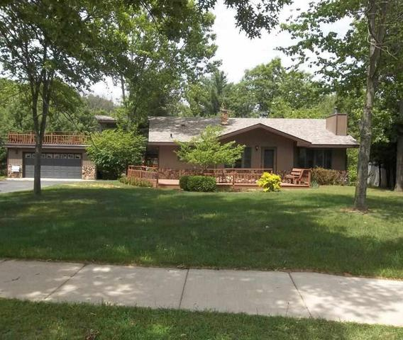 555 E Lake Ave, Lake Delton WI 53940