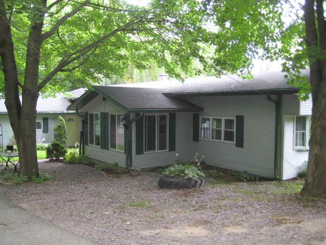 459 Bench St, Eastman WI 54626